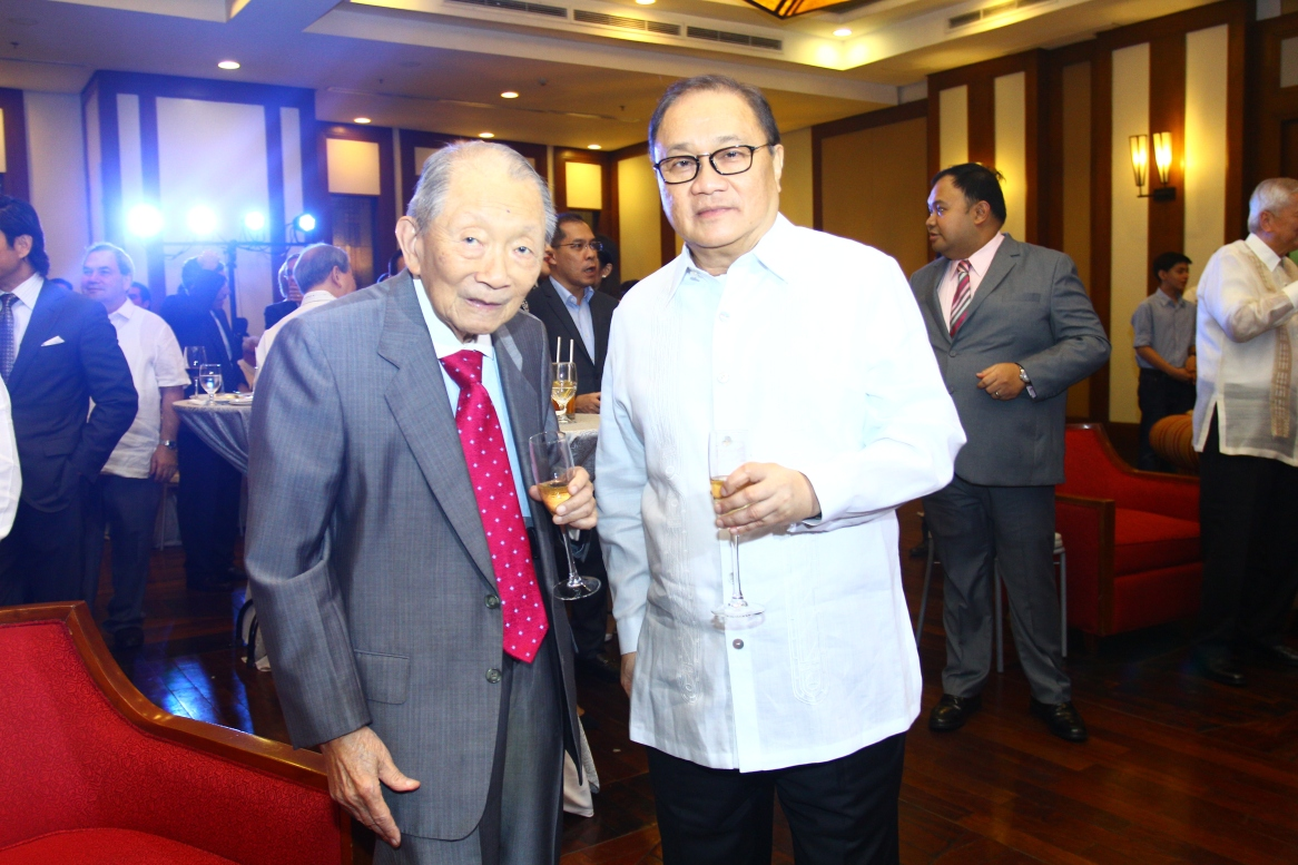 Mr. Washingto Sycip with with Mr. Manuel V. Pangilinan, Stratbase ADR Institute Co-Chair